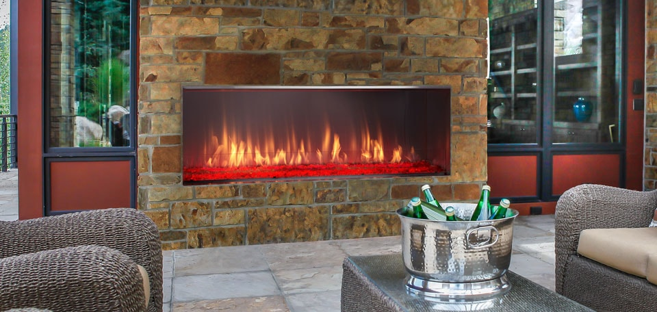 The Lanai linear gas fireplace offers contemporary style. The night comes alive with glowing flames and a colorful firebed to light up your landscape.