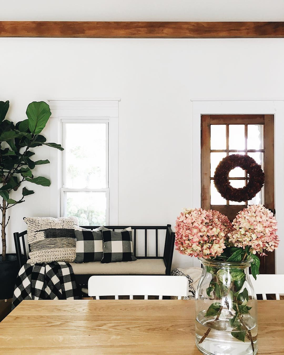 Four Tips On Decorating In White Farmhouse Style