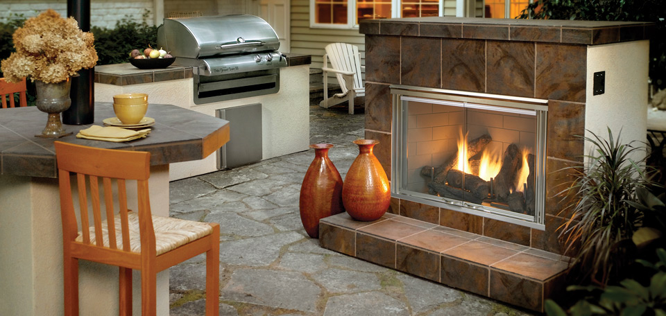 <p>Outdoor Lifestyles Dakota Gas Fireplace</p>